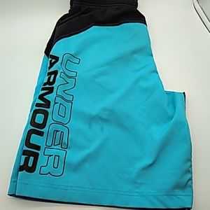Under Armour mens loose fit shorts S blue